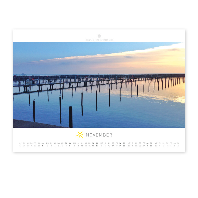 Grömitz Wandkalender A4 - Der (fast) leere Grömitzer Hafen